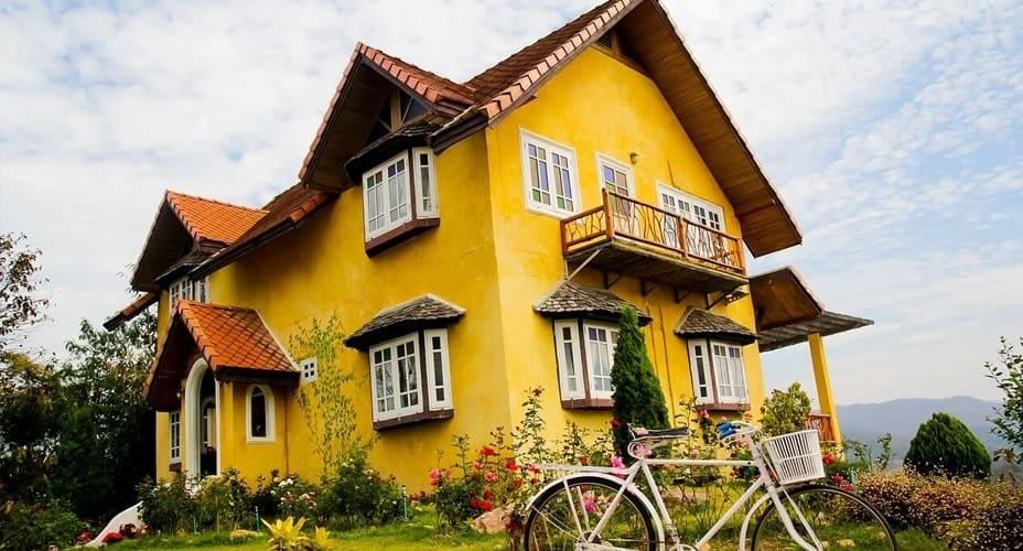 yellow house pai tour from chiang mai