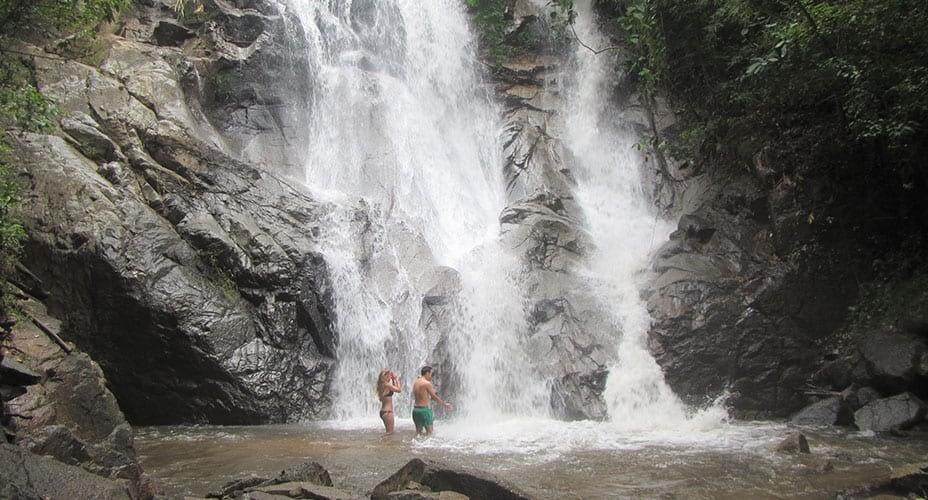 swimming in mok fa waterfall
