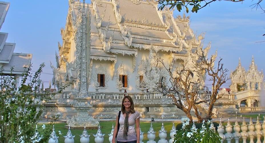 wat rong khun white temple tour
