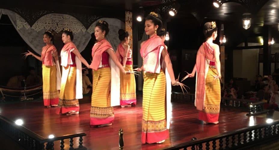 traditional dance chiang mai kantoke