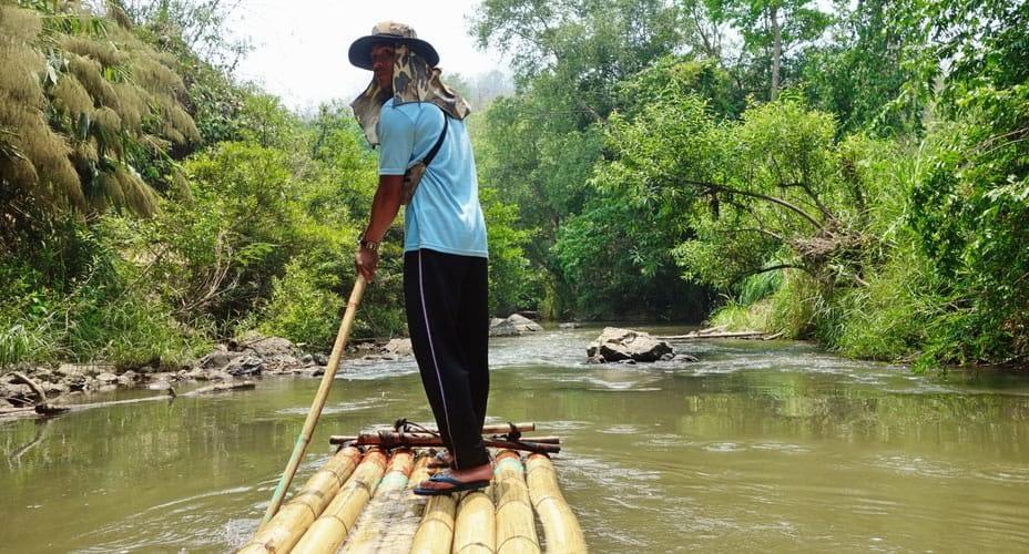 bamboo rafting at mae wang