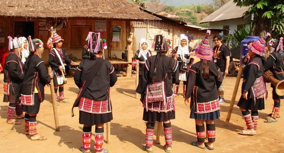 akha hill tribe chiang mai tours