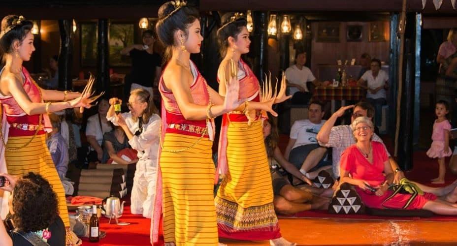 khantoke dinner in chiang mai